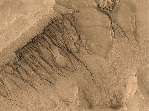 High resolution image taken from the Mars Global Surveyor probe. Canals that suggest the presence of surface water in the past can be clearly detected. Credit: NASA